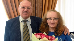 Медалью «За любовь и верность» награждена семья сотрудницы Магаданэнергосбыта Натальи Ивановой