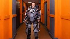 Студент из Питера разработал экзоскелет, позволяющий человеку без труда поднять 80 кг груза