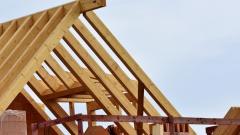 Разработан станок способный автоматически выточить дом из дерева за неделю